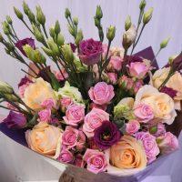 GP011 Įvairių gėlių puokštė